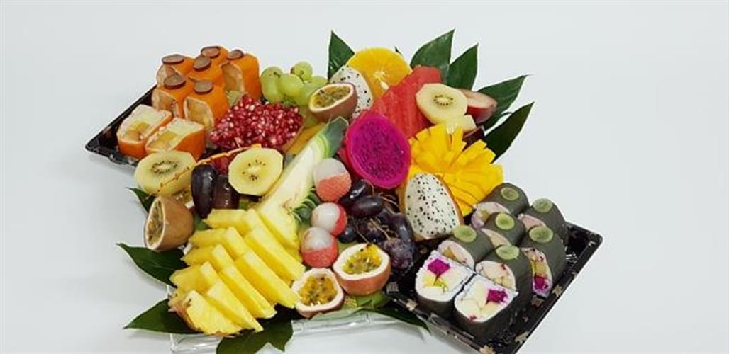 Special chef recommendation - Fruits and Sushi fruits tray