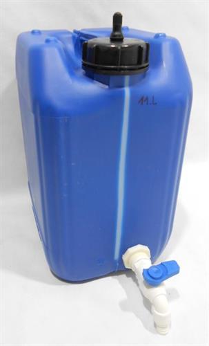 מיכל עם ברז ג'ריקן 11 ליטר צבע כחול מתאים למי שתיה ברז לבן פקק עם נשם ופס שקוף לגובה מים