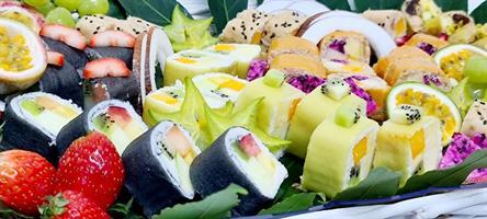 Chef's fruits sushi basket - סלסלת סושי פירות השף