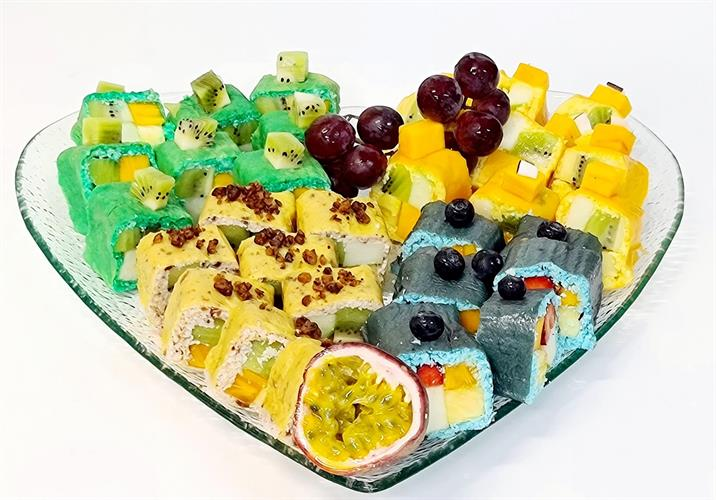 """Four fruits sushi loves - """"ארבע טעמי הלב"""""""