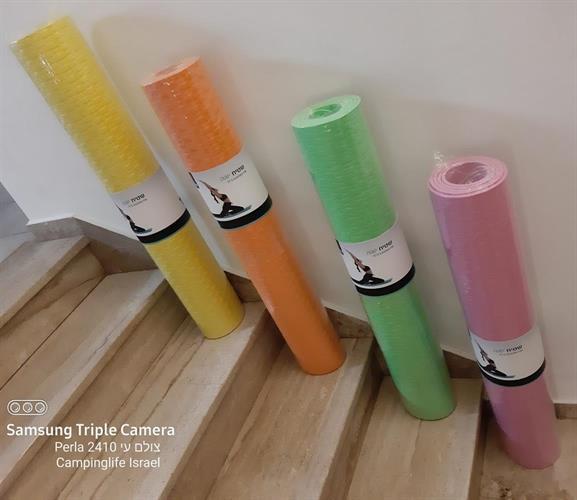 מזרן שטיח יוגה צהוב עובי 0.8 ממ אורך 1.9 מטר רוחב 90 סמ' לפילאטיס והתעמלות כללית
