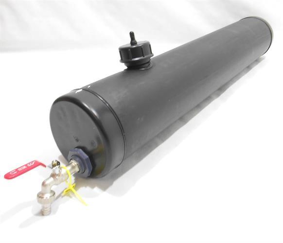 מיכל צינור מים גיבריט שחור אורך 1.59 מטר עם ברז קוטר 16 סמ' נפח 28 ליטר  GiberiT לגיפים וטנדרים