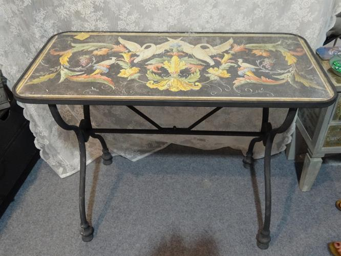 שולחן רטרו מלבני בעיצוב רנסנס