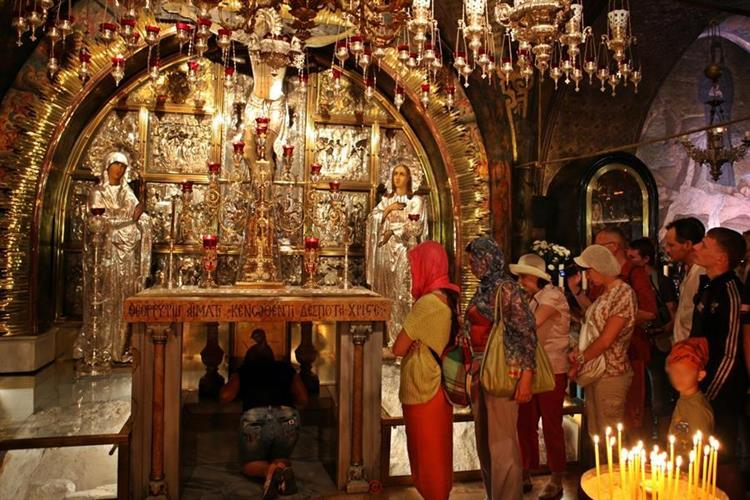Support Israel and get this picture: Church of the holy Sepulchre, Jerusalem