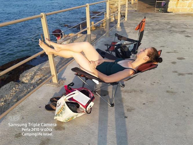"""כיסא שטח 2 מצבים שכיבה שיזוף וישיבה נמוך   לים בריכה  פיקניק  קמפינג  מתקפל קל  """" הרצליה  """"כולל תיק"""