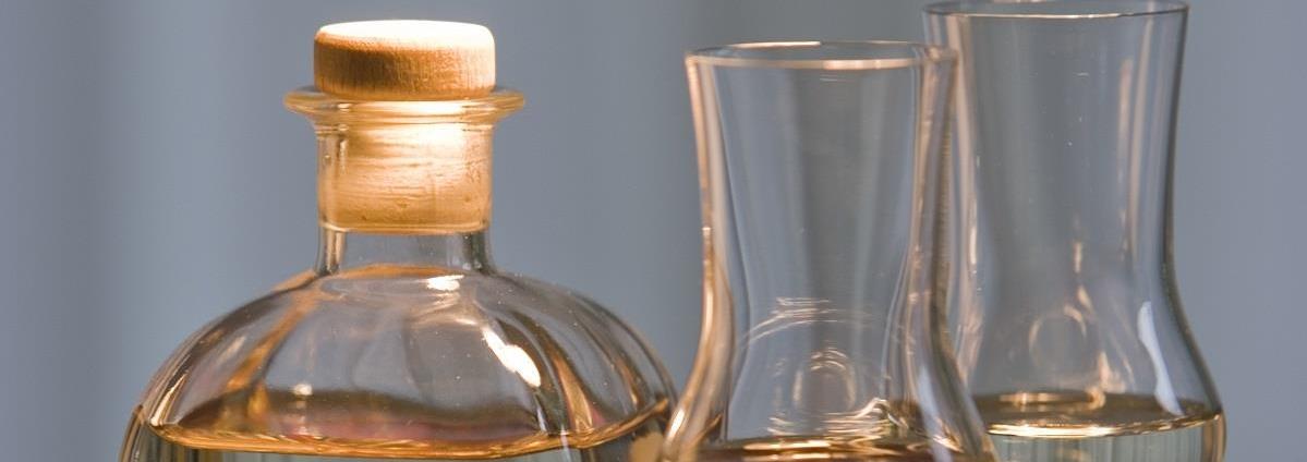 Vom Fass Israel -  אלכוהול, חומצים בלסמים ושמנים ישירות מהחבית