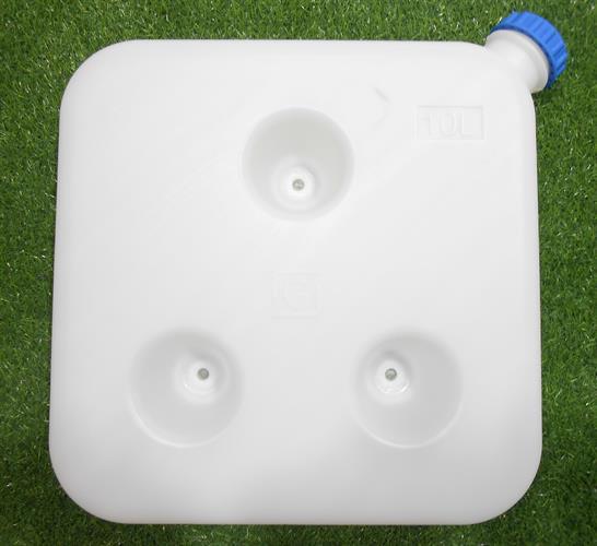 מיכל גר'יקן  דלק או מים שטוח 10 ליטר צבע לבן שקוף כולל פקק כחול עם חיבור לקיר