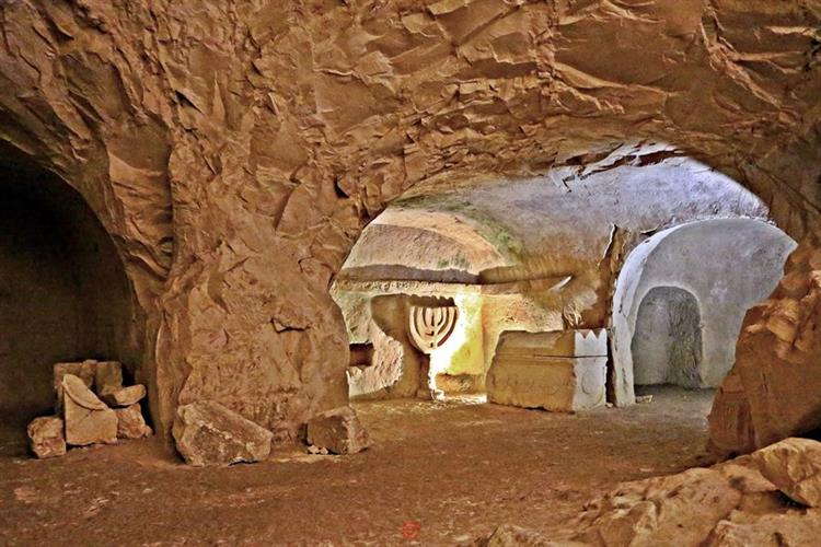 Support Israel and get this picture: Beit She'arim National Park