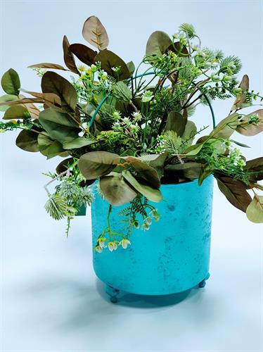 בית עציץ טורקיז עם סידור ירקים - אזל מהמלאי