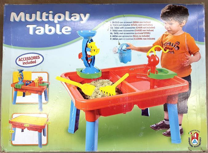 שולחן חול ומים + אביזרים