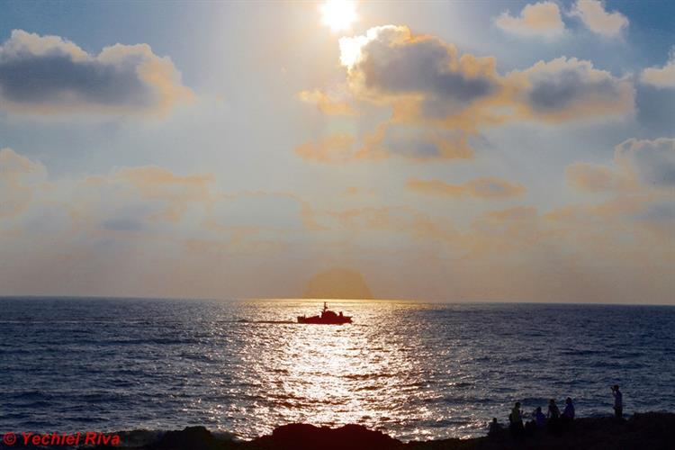 Support Israel and get this picture: Rosh HaNikra grottoes