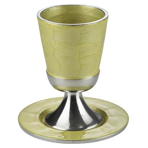 """גביע קידוש אלומיניום בלי רגל מהודר עם תחתית 11 ס""""מ גוון כסף זהב"""