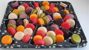 Sweet macaroons for lovers - מקרוני 64 יחי