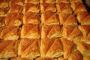 בורקס אמא בורקס גבינה משולש