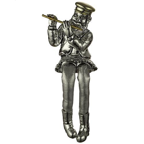 """חסיד יושב מפולירייזן מוכסף עם רגלי בד כסף מנגן בחליל 26 ס""""מ"""