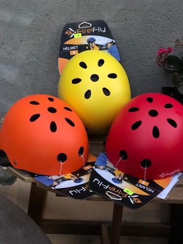 קסדת FireFly אקסטרים במגוון צבעים