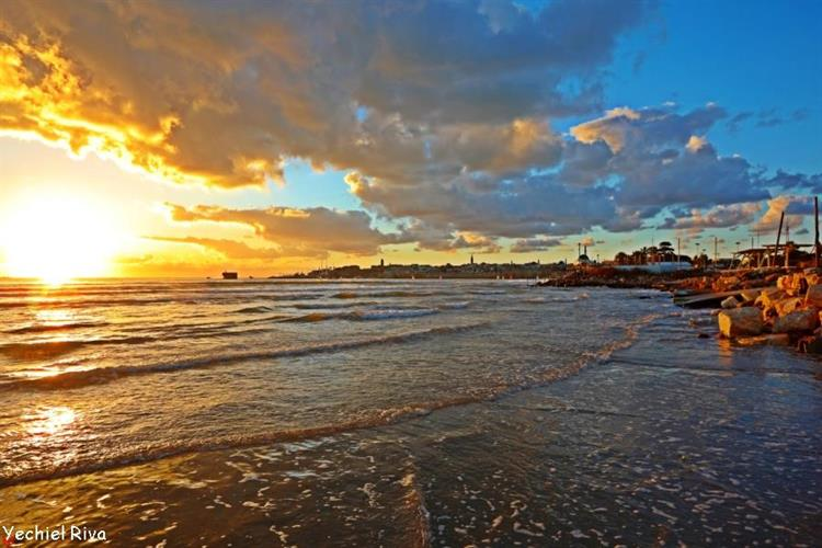 Support Israel and get this picture: Sunset in Acre