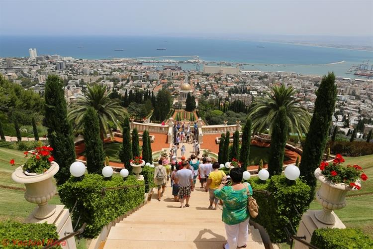 Support Israel and get this picture: Bahai World Centre, Haifa