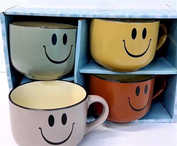 רביעיית כוסות מעוצבות ומחייכות