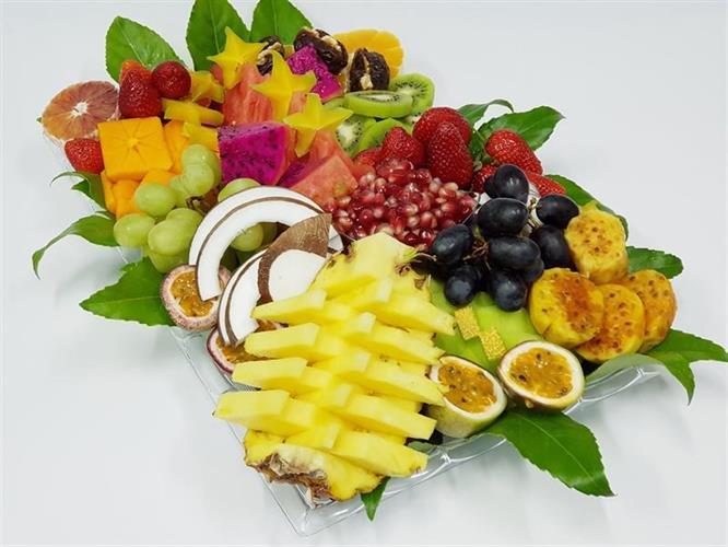 Happinesses chef fruits tray - האושר
