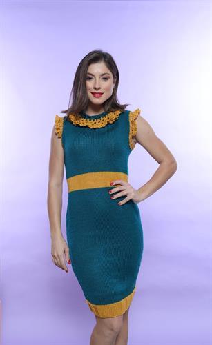 שמלה סרוגה שני צבעים ללא שרוולים