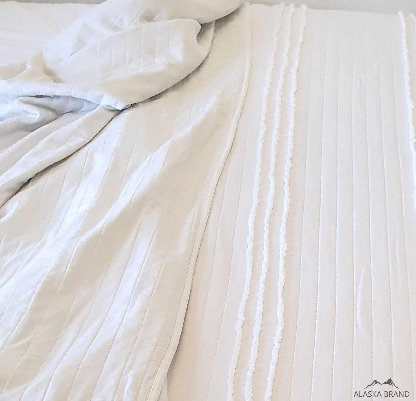 כיסוי למיטה \ שמיכת קיץ - ליר מגע נעים כמשי!
