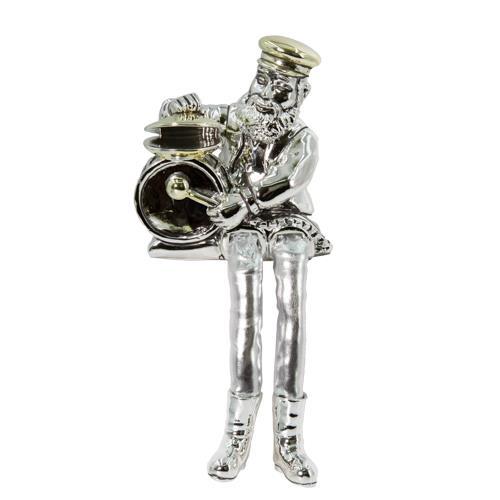 """חסיד יושב מפוליריזן מוכסף עם רגלי בד כסף מנגן בתופים 25 ס""""מ"""