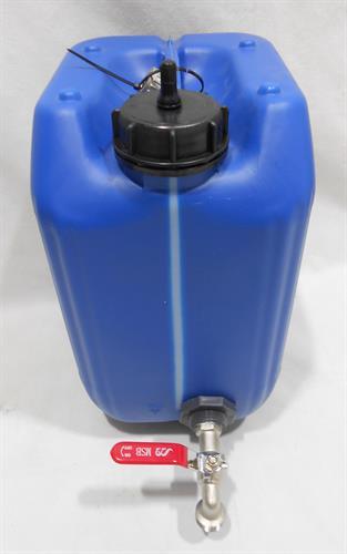 מיכל עם ברז כדורי ונשם ג'ריקן 11 ליטר  כחול מתאים למי שתייה  פס שקוף לגובה מים כולל פקק