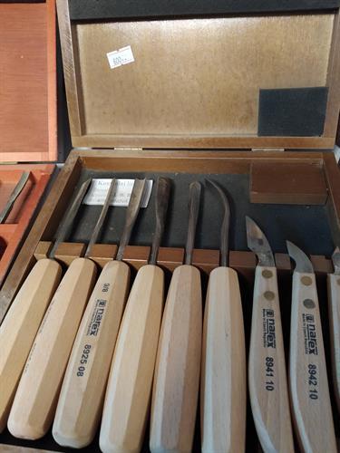 סט 6 מפסלות+2 סכינים תוצרת NAREX-צכיה