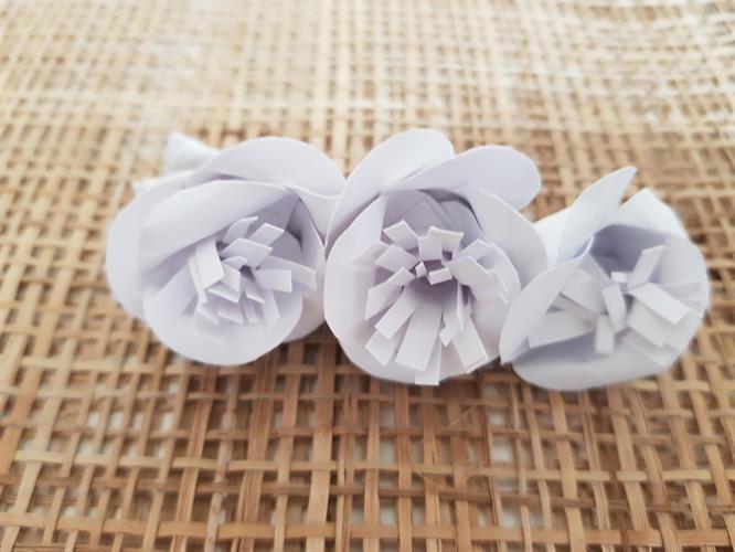 סיכה לשיער ורד לבן