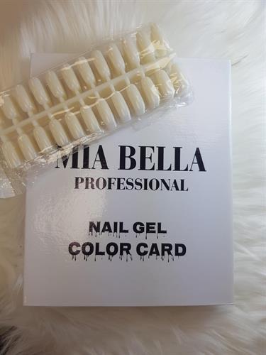 מבצע! ספר צבעים Mia Belle + טיפסים לספר