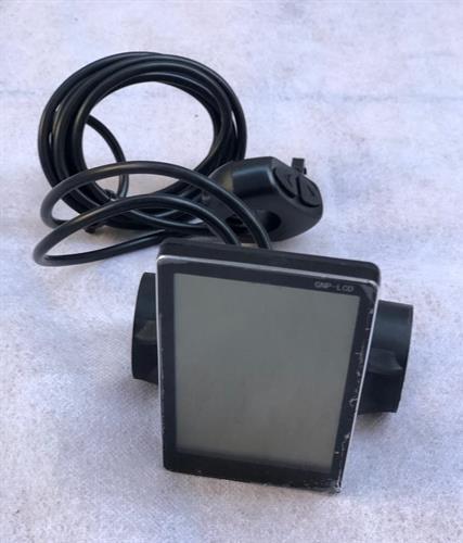 צג דיגיטלי חיבור USB