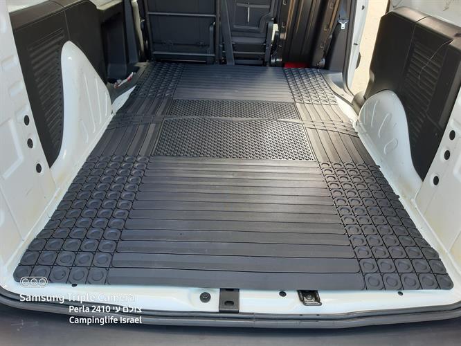 גומי שטיח עבה לתא מטען לרכב  שחור