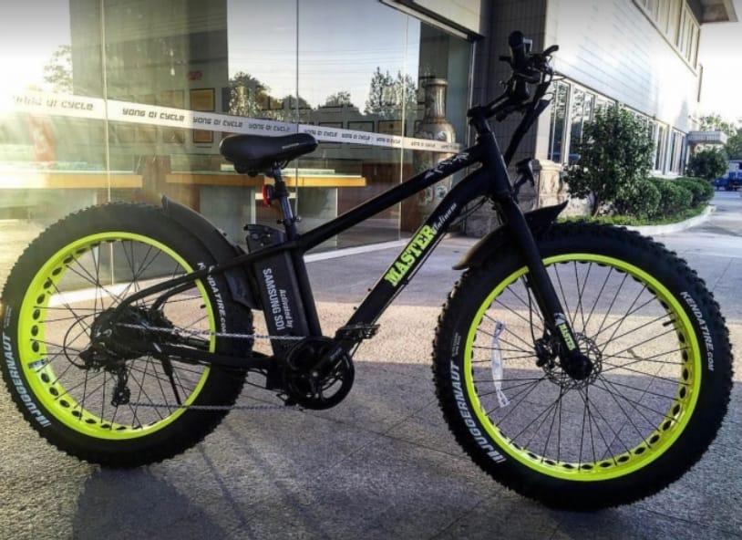 אופני הרים חשמליות עם שיכוך מלא