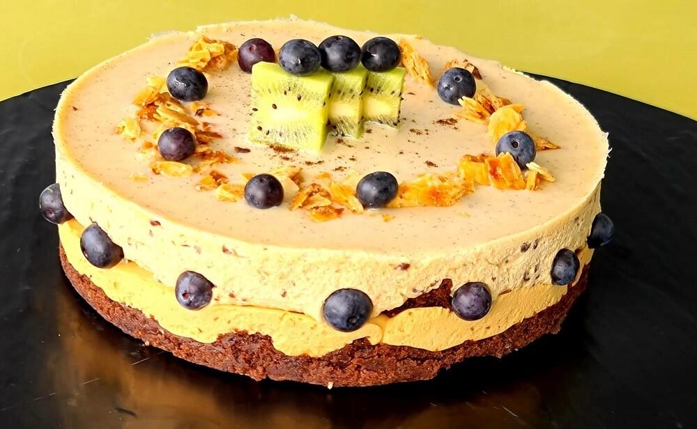 עוגת פירות ליום הולדת